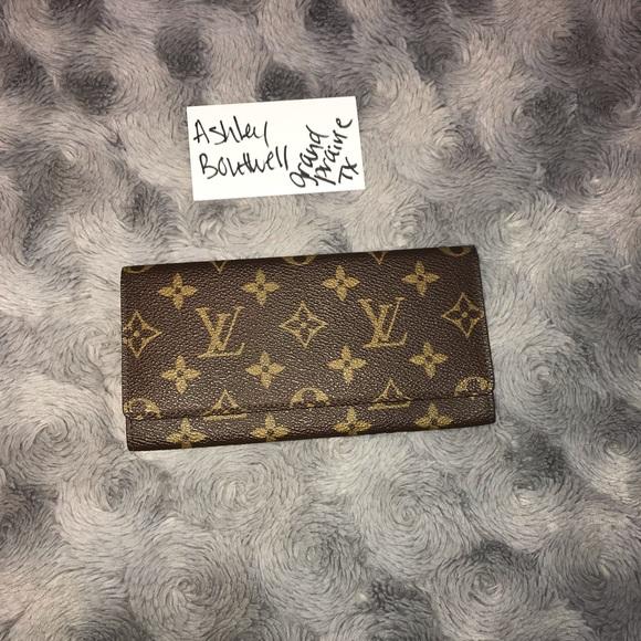 Louis Vuitton Handbags - Authentic LV Vintage Porte Yen Cartes